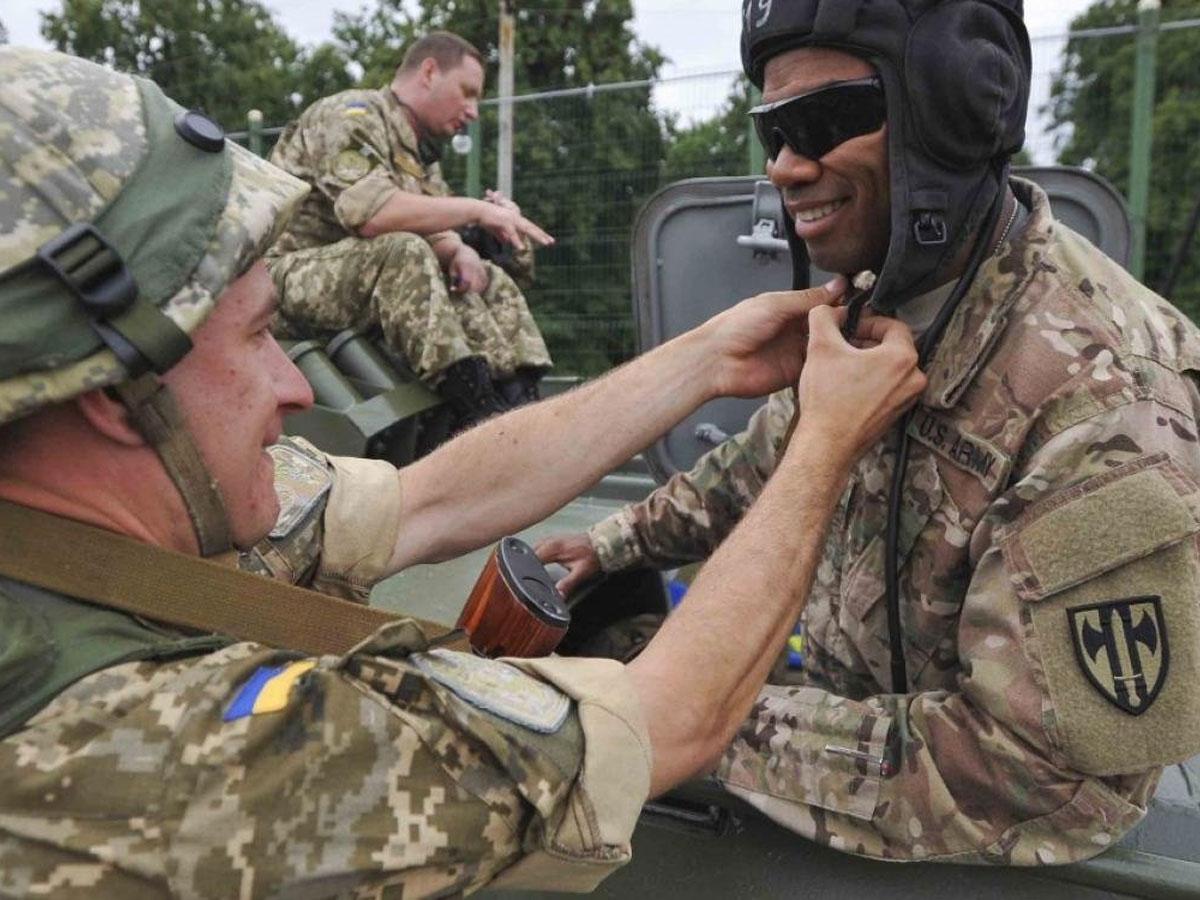 НаУкраине высадился польский десант
