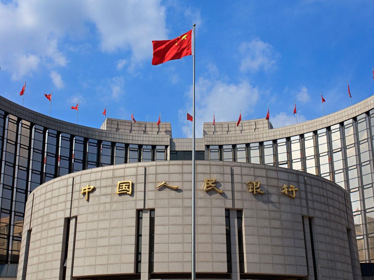 Власти Китая намерены регулярно проверять налоговые выплаты актеров иблогеров