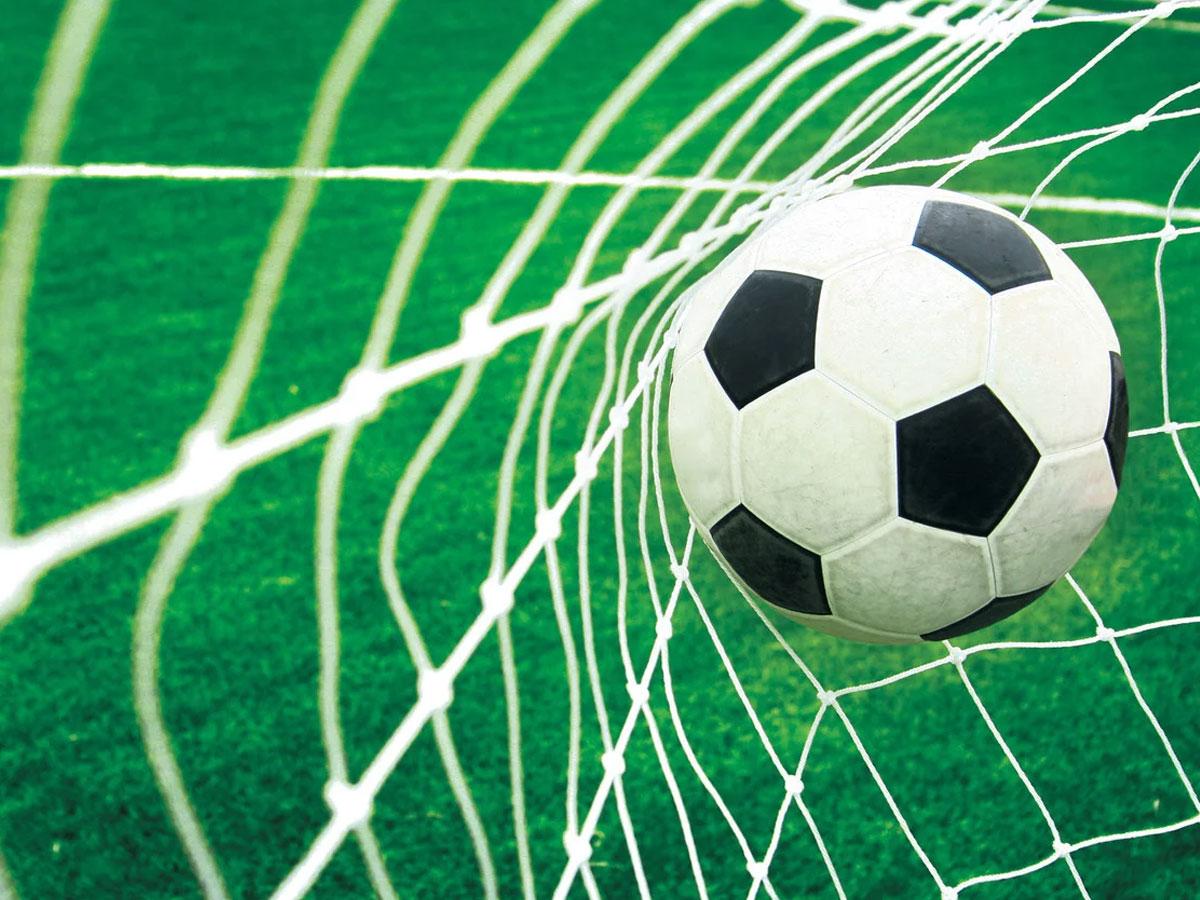 На футбольном матче вКалининграде умер вратарь