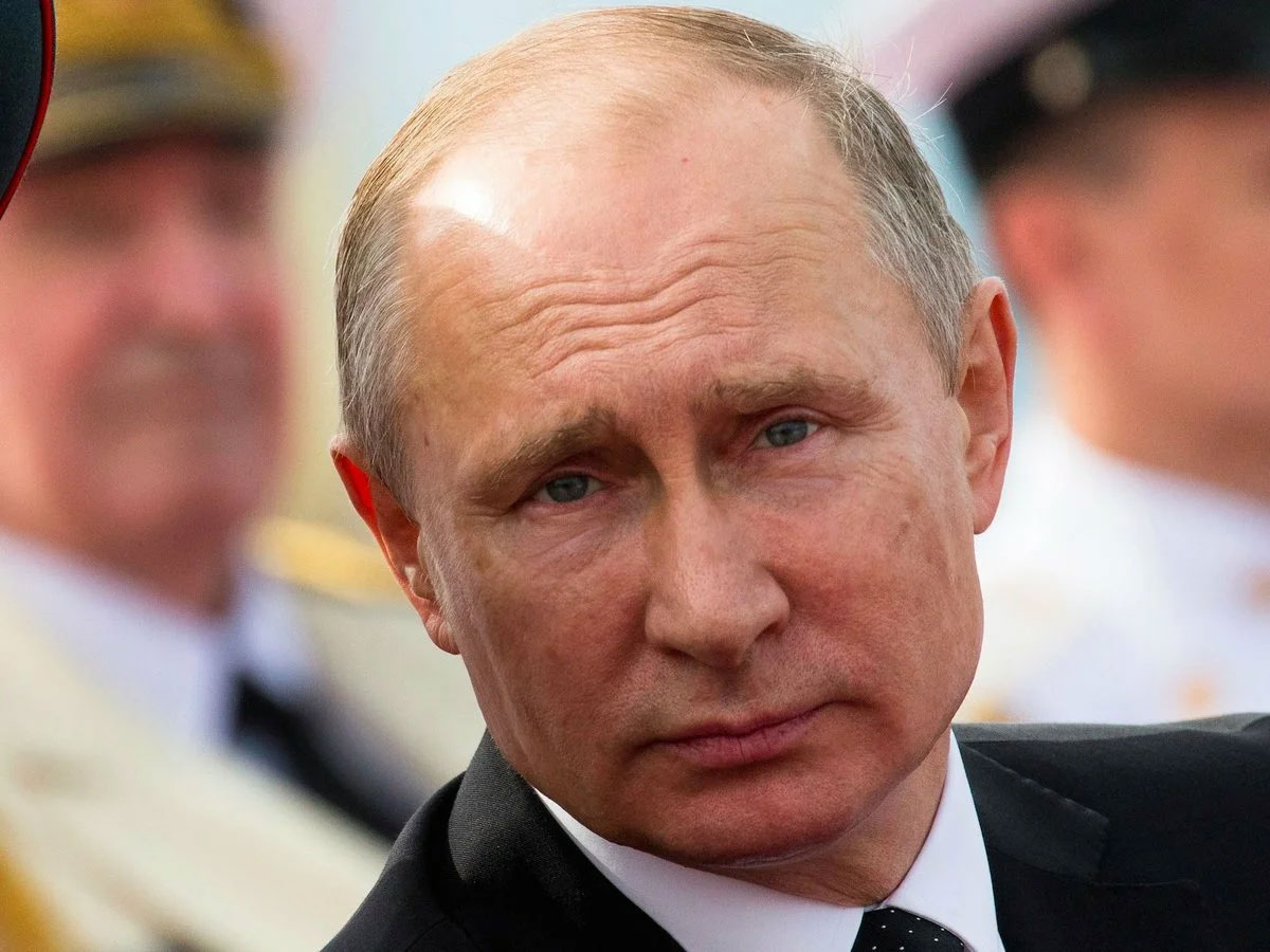 Источник в МИД ответил на слова о красивой переводчице на встрече Путина и Трампа