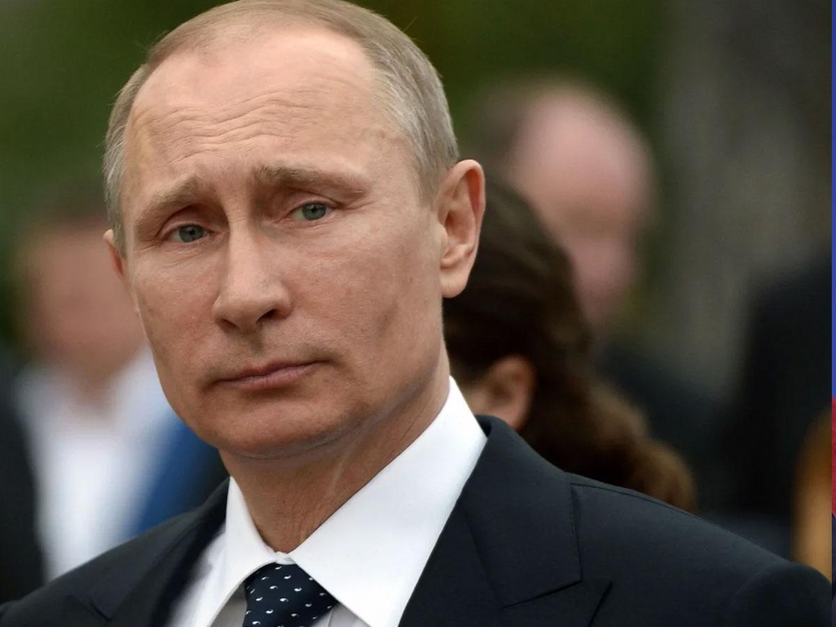 Путин поручил создать комиссию поисторическому просвещению