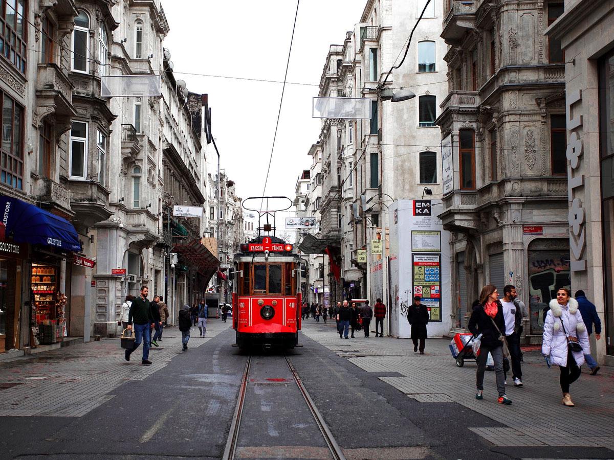 Турецкие врачи призвали ужесточить правила для туристов изРоссии