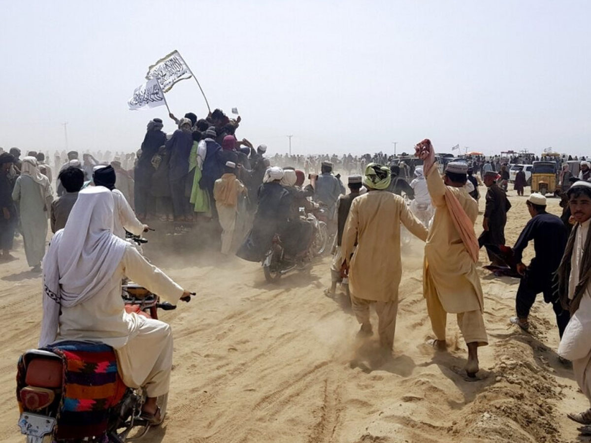 Талибы берут под стражу протестующих против Пакистана вКабуле