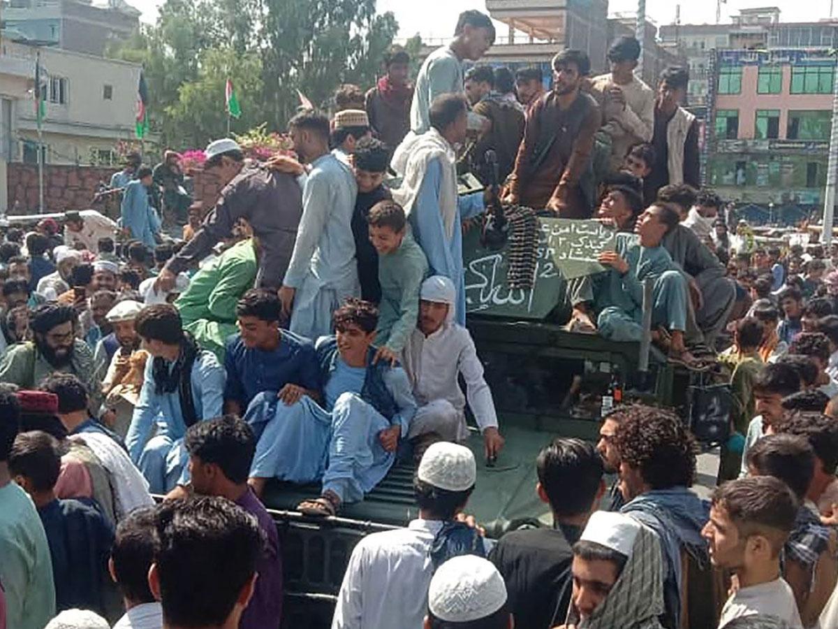 Защитники Панджшера отрицают информацию талибов обихвходе вдолину