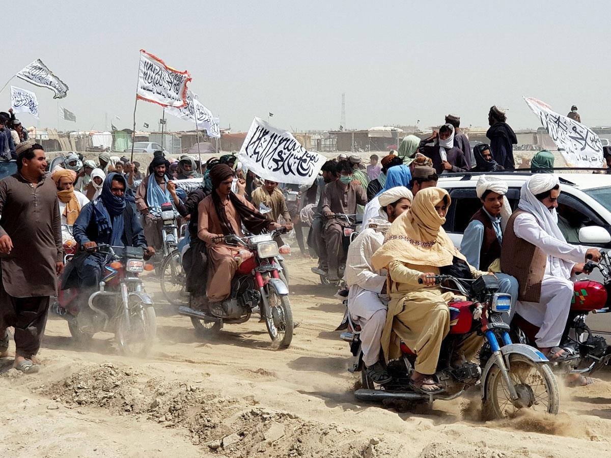 «Талибан» требует усбежавшего президента Гани отдать вывезенные имсредства