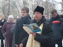 Полицейским приказали разогнать молебен в поддержку строительства храма и арестовать православного священника