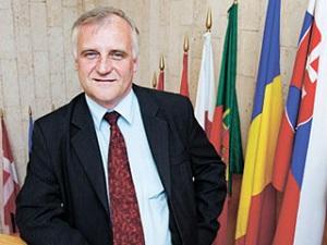 Директор информационного бюро НАТО в Москве Роберт Пшель рассказал, что европейская система противоракетной обороны США не будет направлена против России, однако НАТО...