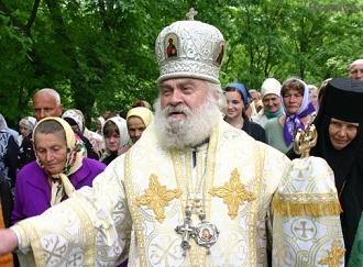 Украинский митрополит призывает к автокефалии и украинизации