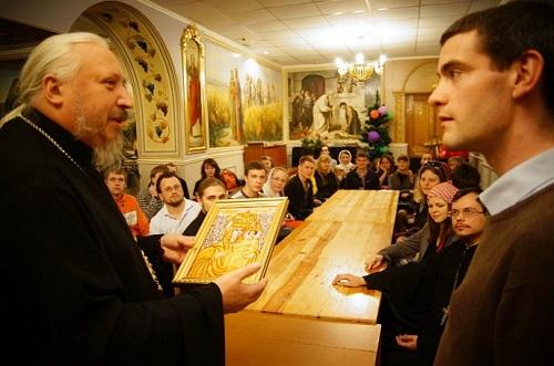 Белорусский епископ окатоличивает паству