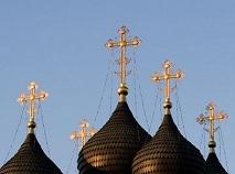Кто раздирает на части Русскую Церковь